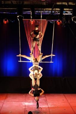 Triple Trapeze 3