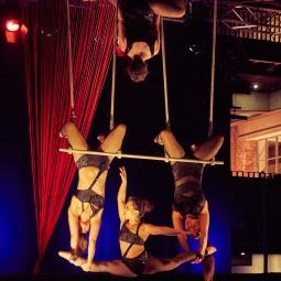 Triple Trapeze 4