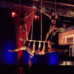 Triple Trapeze 5